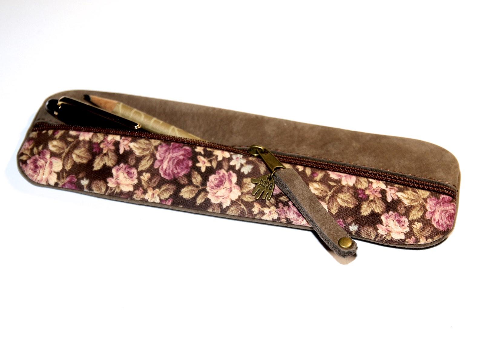 zartes federm ppchen handgefertigt in rosa leder stoff. Black Bedroom Furniture Sets. Home Design Ideas