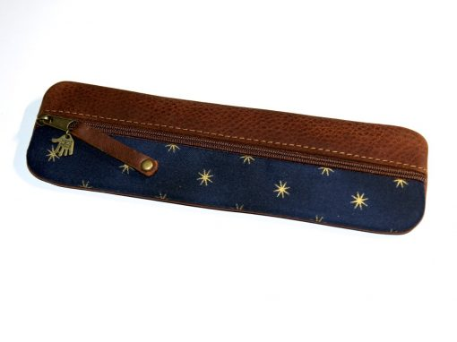 Federmäppchen, gewachstes Leder blau Sterne gold 2