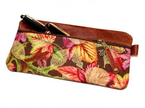 Federmäppchen, Leder rotbraun, groß Stoff Herbstblätter gold, Füllhalter Montblanc