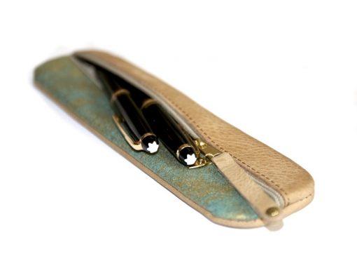 Federmäppchen, gewachstes Leder, hellbraun, Stoff grün gold Batik Montblanc