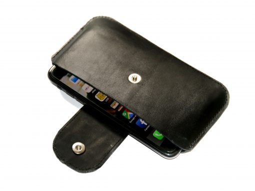 Smartphonetasche schwarz Lasche kroko geprägt 3